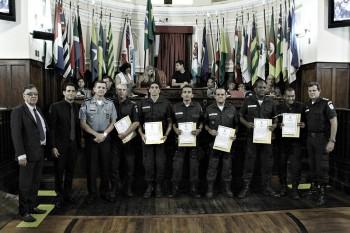 Entrega de Titulo e Moções a Policias Militares Foto Sergio Gomes 08-03-2018 (127)