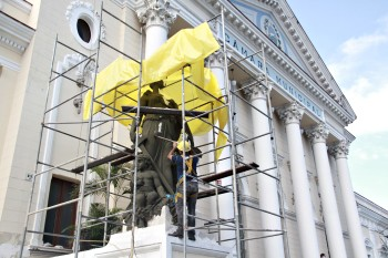 Restauração nas Estatuas da Câmara Foto Sergio Gomes 20-02-2019 (28)